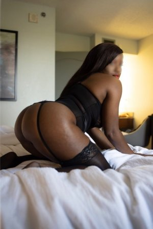 Gilonne live escort in Maili Hawaii