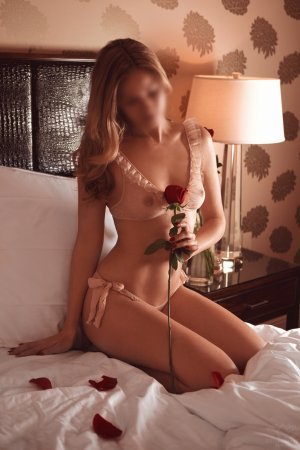 Medarine cheap live escort in Sierra Vista